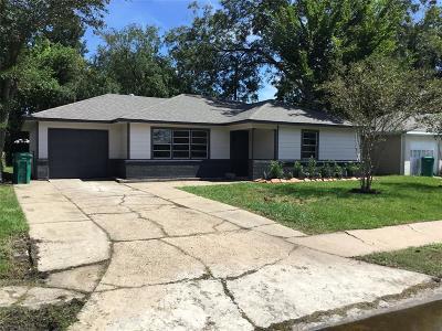 Pasadena Single Family Home For Sale: 1611 W Martha Lane