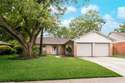Webster Single Family Home For Sale: 2706 Pilgrims Point Drive
