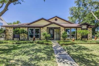 Pasadena Single Family Home For Sale: 4002 Thistlewood Drive