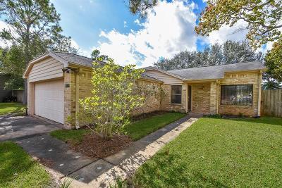Sugar Land Single Family Home Pending: 3106 Whetrock Lane
