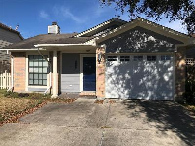 Baytown Single Family Home For Sale: 809 Briarcreek Drive