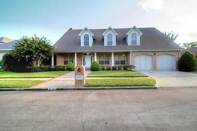 Baytown Single Family Home For Sale: 4603 Country Club View