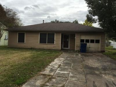Angleton Single Family Home For Sale: 1216 Chevy Chase Drive