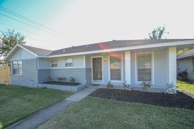 Oak Forest Single Family Home For Sale: 5001 De Milo Drive