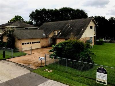 Kemah Single Family Home For Sale: 89 Bayou Lane