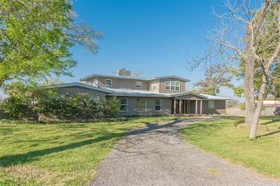 Baytown Single Family Home For Sale: 426 Willow Lane