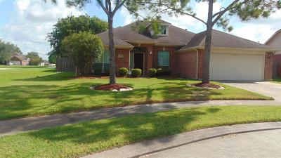 League City Single Family Home For Sale: 4430 Cottonwood Court