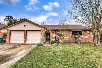 Pasadena Single Family Home For Sale: 3715 Starlite Drive