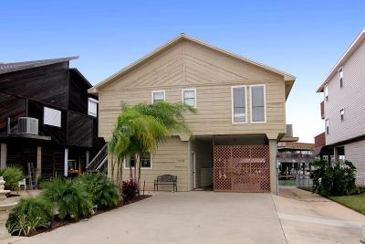Single Family Home For Sale: 208 Bora Bora Drive
