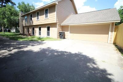 Single Family Home For Sale: 4923 Oak Shadows Drive