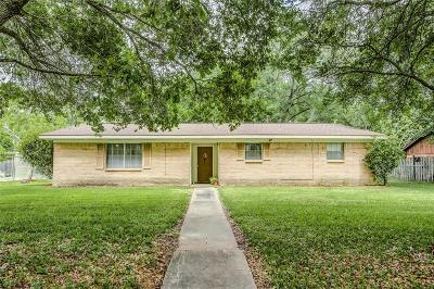 Alvin Single Family Home For Sale: 501 Riverside Drive