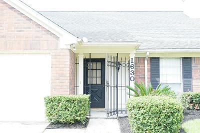 Houston Single Family Home For Sale: 1630 Plumwood Drive