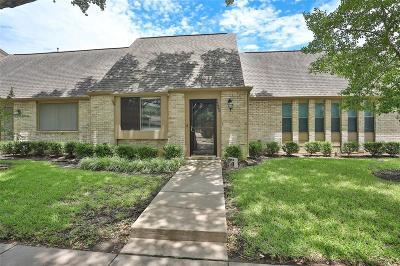 Houston Condo/Townhouse For Sale: 6628 Montauk Drive #1/202