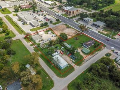 Willis Residential Lots & Land For Sale: 610 W Montgomery Street