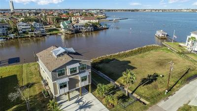 Kemah Single Family Home For Sale: 2110 Cove Park Drive