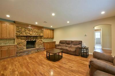Magnolia Single Family Home For Sale: 540 Abney Lane