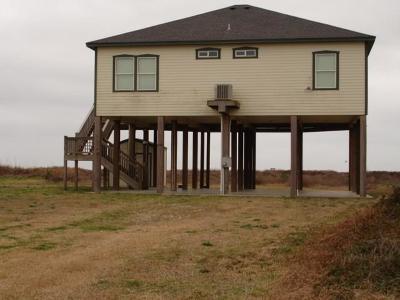 Crystal Beach Single Family Home For Sale: 1980 Gulf