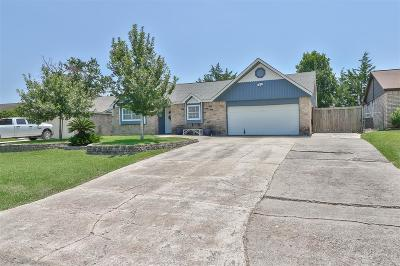Willis Single Family Home For Sale: 13375 Lake Breeze Lane