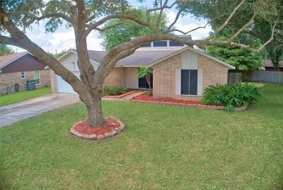 Alvin Single Family Home For Sale: 1015 Stevenwood Lane
