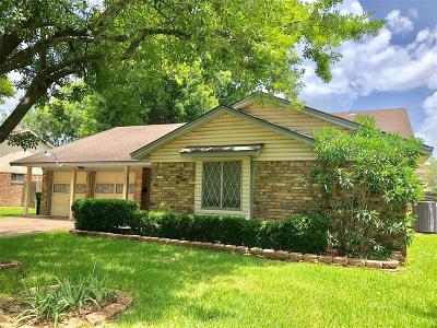 Pearland Single Family Home For Sale: 5013 Camden Lane
