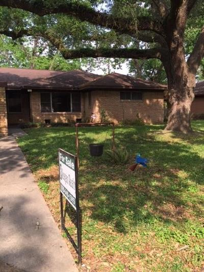 Single Family Home For Sale: 704 Barbara Street