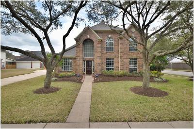 Friendswood Single Family Home For Sale: 1105 Osprey Court