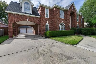 Spring Single Family Home For Sale: 18819 Cypress Chateau Drive