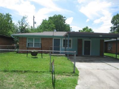 Pasadena Single Family Home For Sale: 2112 Dewberry Lane