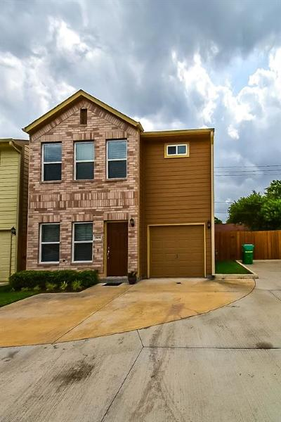 Houston Single Family Home For Sale: 5104 Pinemont Place