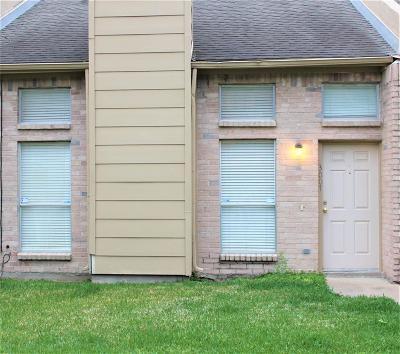 Missouri City Condo/Townhouse For Sale: 3007 Creekview Drive