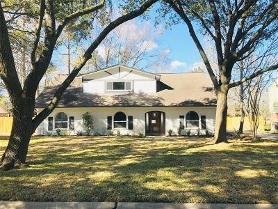 Friendswood Single Family Home For Sale: 135 Cherry Tree Lane Lane