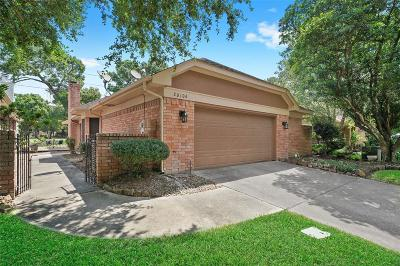 Humble Single Family Home Pending: 20106 18th Fairway Drive