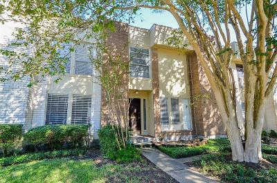 Bellaire Condo/Townhouse For Sale: 5210 Woodlawn Place