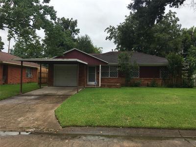 Pasadena Single Family Home For Sale: 2125 Peach Lane