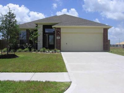 League City TX Single Family Home For Sale: $270,000
