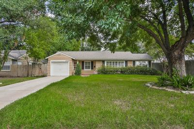 Bellaire Single Family Home For Sale: 4708 Mayfair Street