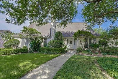 Houston Single Family Home For Sale: 2203 Crystal Hills Drive