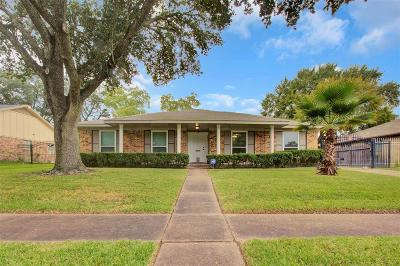 Houston Single Family Home For Sale: 7810 Pella Drive