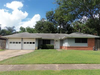 Pasadena Single Family Home For Sale: 3511 Tanglebriar Drive