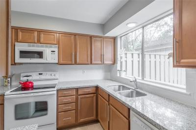 The Woodlands Condo/Townhouse For Sale: 2119 E Settlers Way