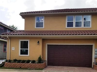 Condo/Townhouse For Sale: 8 Elderwood Drive