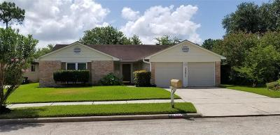 Friendswood Single Family Home For Sale: 2331 Colonial Ridge Drive
