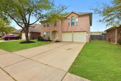Houston Single Family Home For Sale: 8119 Solara Bend