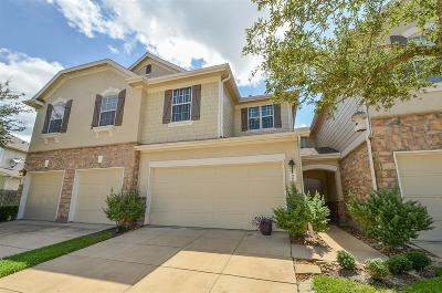 Tomball Condo/Townhouse For Sale: 16028 Summerville Lake Drive