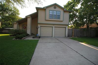 Friendswood Single Family Home For Sale: 420 Old Course Drive