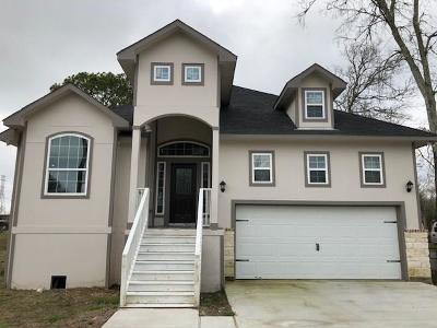 League City TX Single Family Home For Sale: $225,000