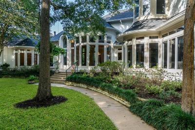 Houston Single Family Home For Sale: 903 Enclave Lake Drive