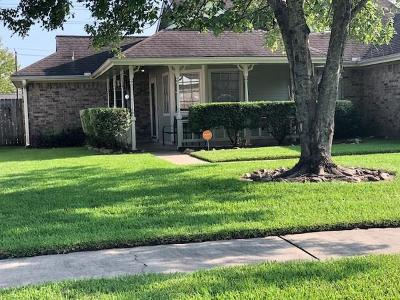 Deer Park Single Family Home For Sale: 2006 Wildwood Drive