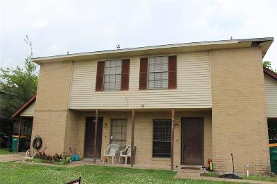 Pearland Multi Family Home For Sale: 4613 Orange Circle N