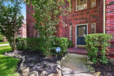 Spring Single Family Home For Sale: 811 Shirefield Court